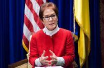Посол США в Украине: Власть должна возобновить выплаты переселенцам