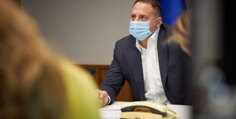 Украина предлагает взять в подгруппы ТКГ переселенцев с Донбасса