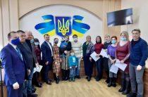 12 семей переселенцев получили ключи от квартир в Покровске