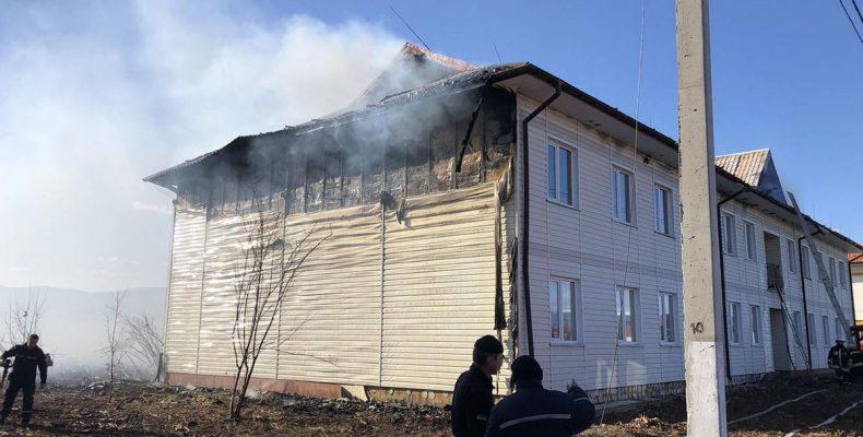 На Закарпатье горел городок для переселенцев: фото, видео