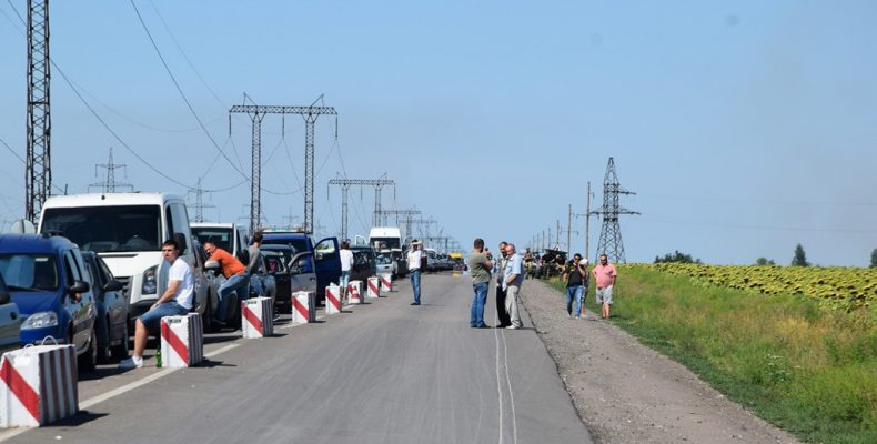 При пересечении линии разграничения люди тратят от 1000 грн