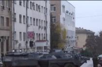 Тысячи беженцев покидают Луганск.