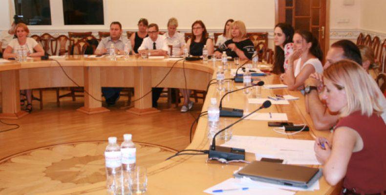 Переселенцы остаются наиболее дискриминированными гражданами в Украине, – представитель омбудсмена