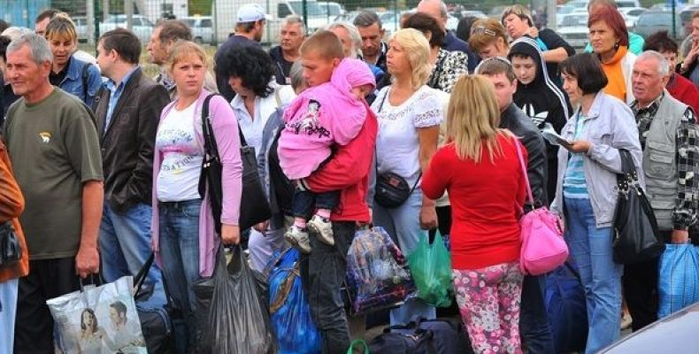На учете в Украине находится более 1,4 млн переселенцев, — минсоцполитики