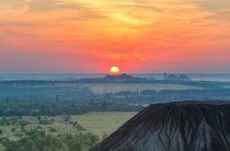 ТОП-5 новостей недели Донбасса: окончание войны, едкий дым, взрыв на кладбище, отключение воды и бесплатный отдых для детей