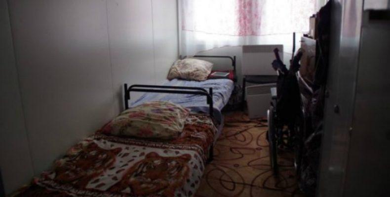 Переселенцы все еще продолжают жить в модульном городке Харькова