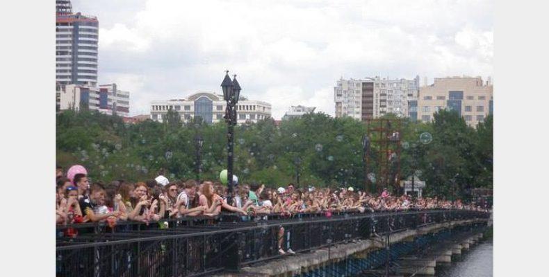 Переселенцы проведут в Киеве традиционный донецкий праздник – массовый запуск мыльных пузырей