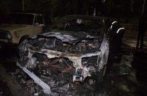 На Русановке в Киеве ночью сожгли Опель переселенца