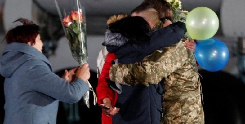 Минреинтеграции выплатило помощь 46 освобожденным из плена украинцам