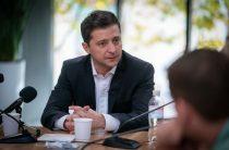 Переселенцам с Донбасса необходимо предоставить жилье, — Зеленский