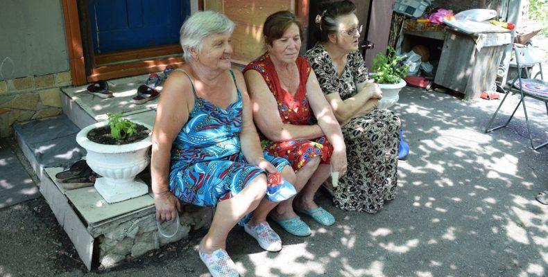 Как семьи из Красногоровки из-за войны 6 лет живут на дачах