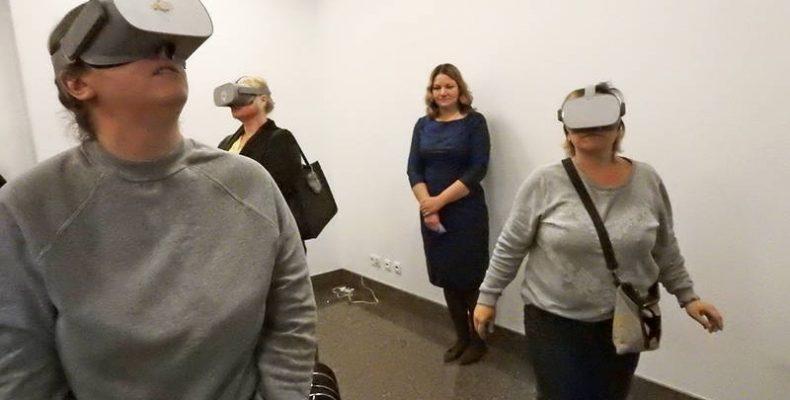 Відчути себе переселенцем пропонують на інтерактивній інсталяції в Києві