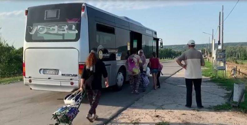 Автобусы на КПВВ: в Минреинтеграции сообщили подробности