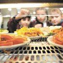 Діти-переселенці отримають право безкоштовно харчуватися у навчальних закладах