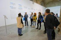 У Мистецькому Арсеналі в Києві триває виставка «Як тебе звати?».  Діти-переселенці та їх недитячі історії.