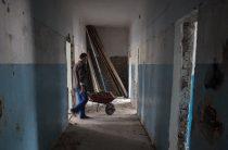 В Донецкой области планируют провести реконструкцию 33 объектов для переселенцев