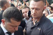 Президент пообщался с переселенцами проживающими в отеле Житомир